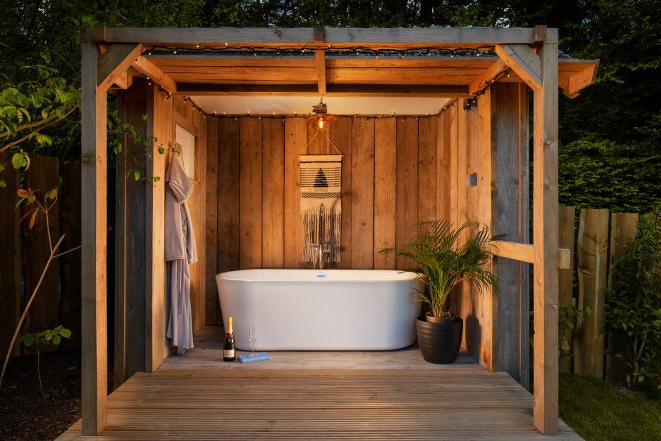 White outdoor bath at Yurt Retreat Somerset