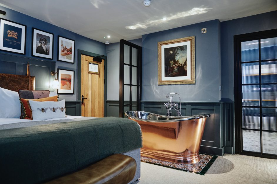 New UK hotel The Kings Arms hotel Surrey