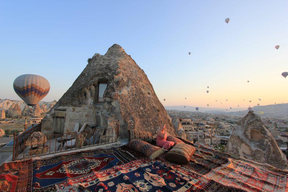 Hot air balloons over Koza cave Hotel Turkey