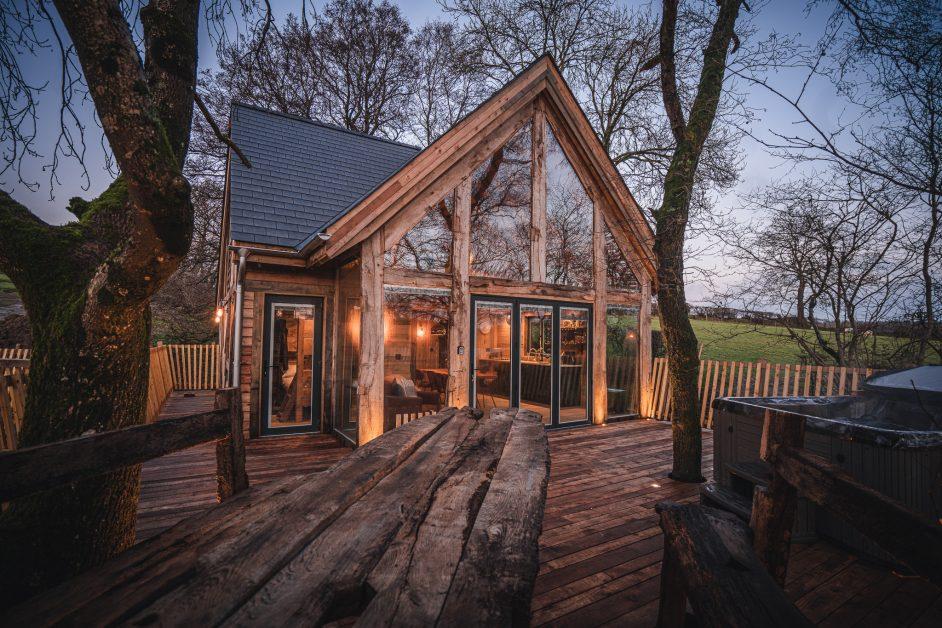 Prince Llywelyn treehouse exterior