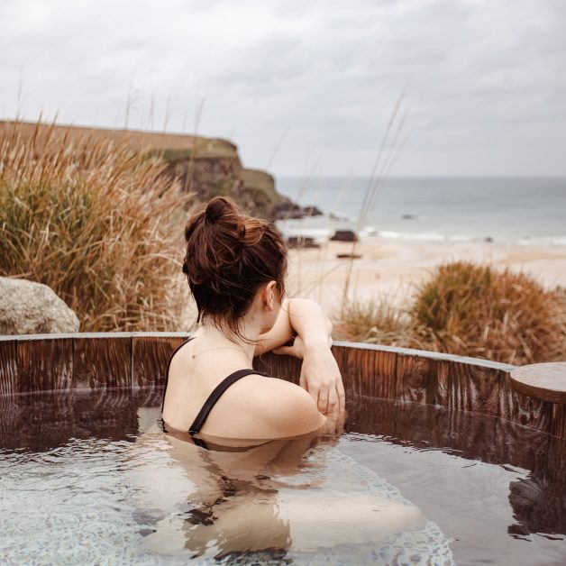 The Scarlet hotel cornwall clifftop hot tub