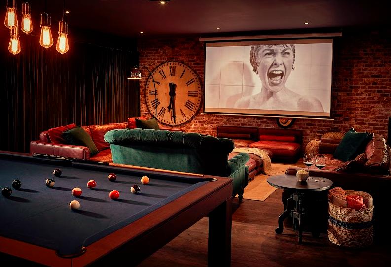 The Harper hotel Norfolk The Den games and cinema room