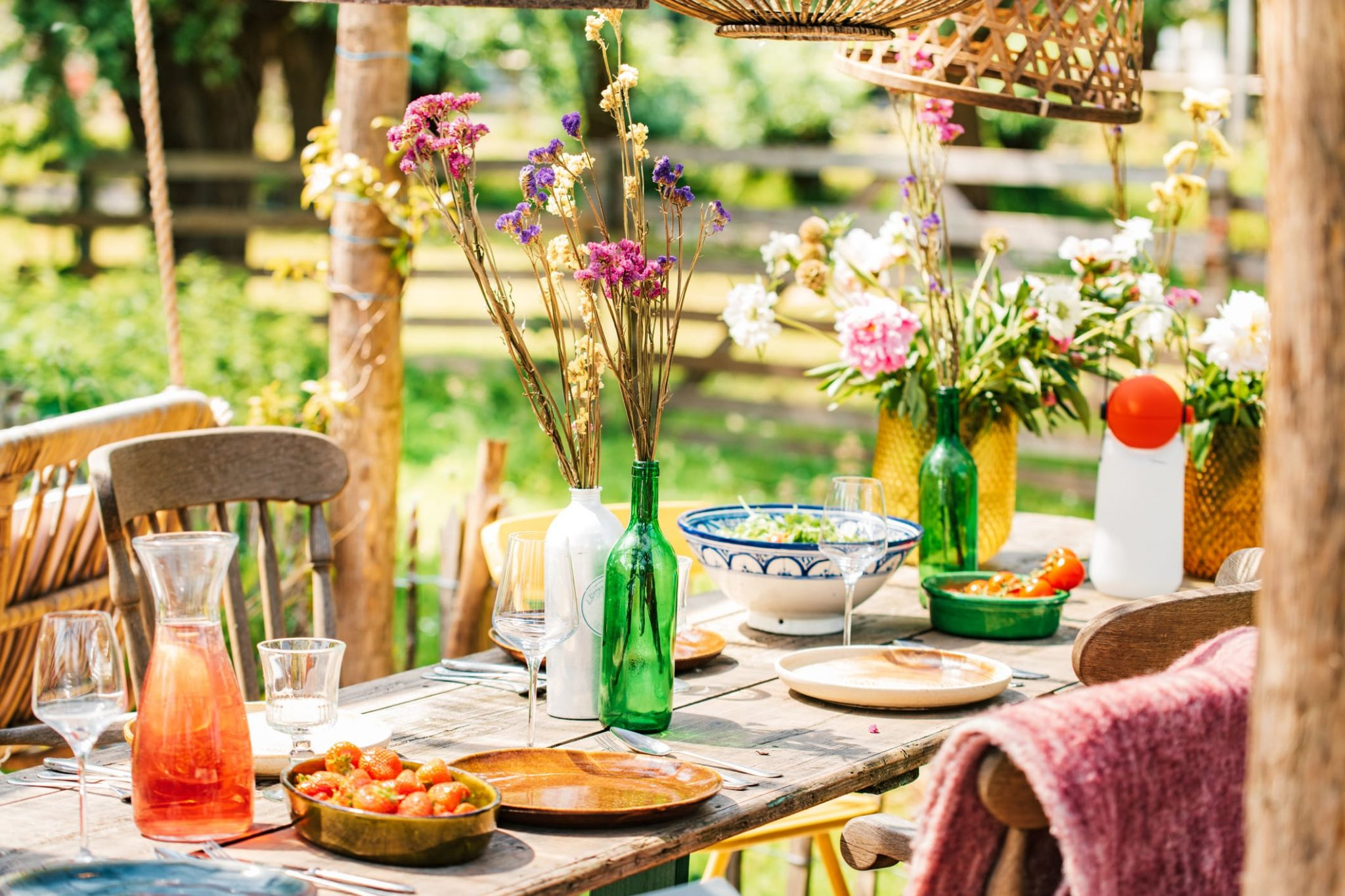 Summer dining table with flowers