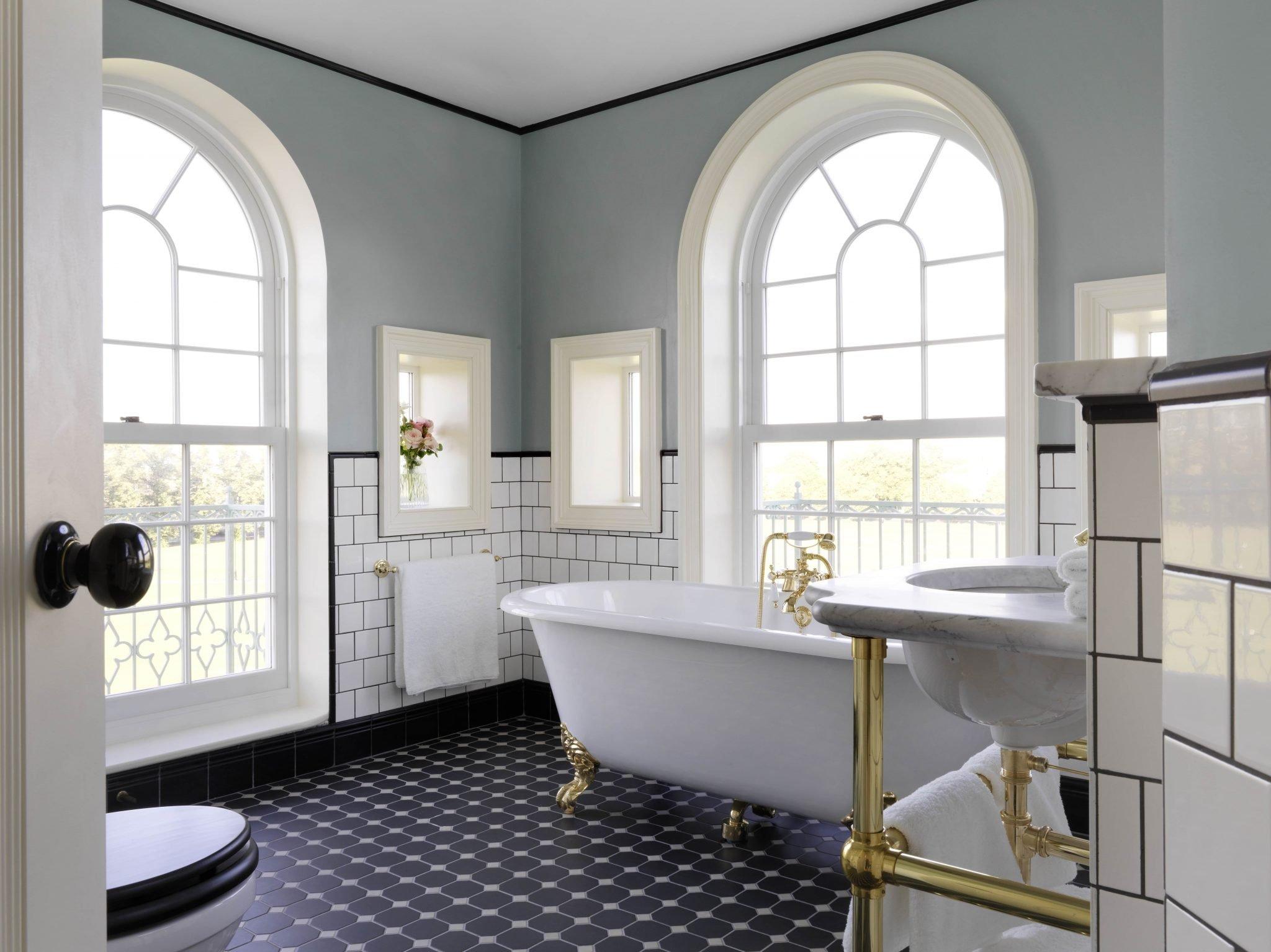 Marlowe suite bathroom University Arms Cambridge