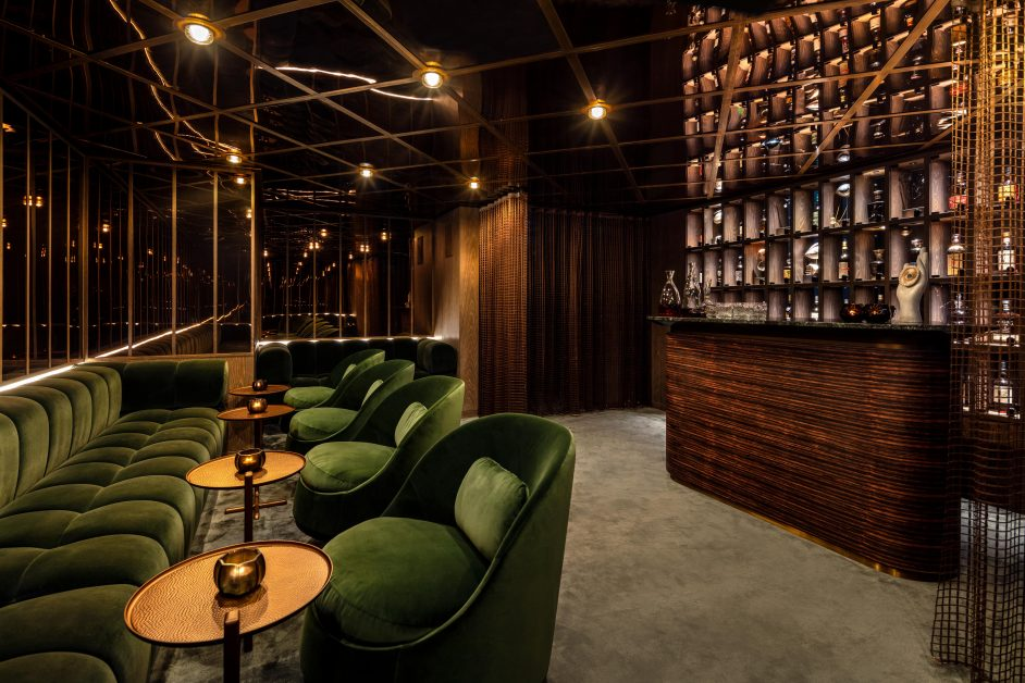 The Londoner, Whiskey bar
